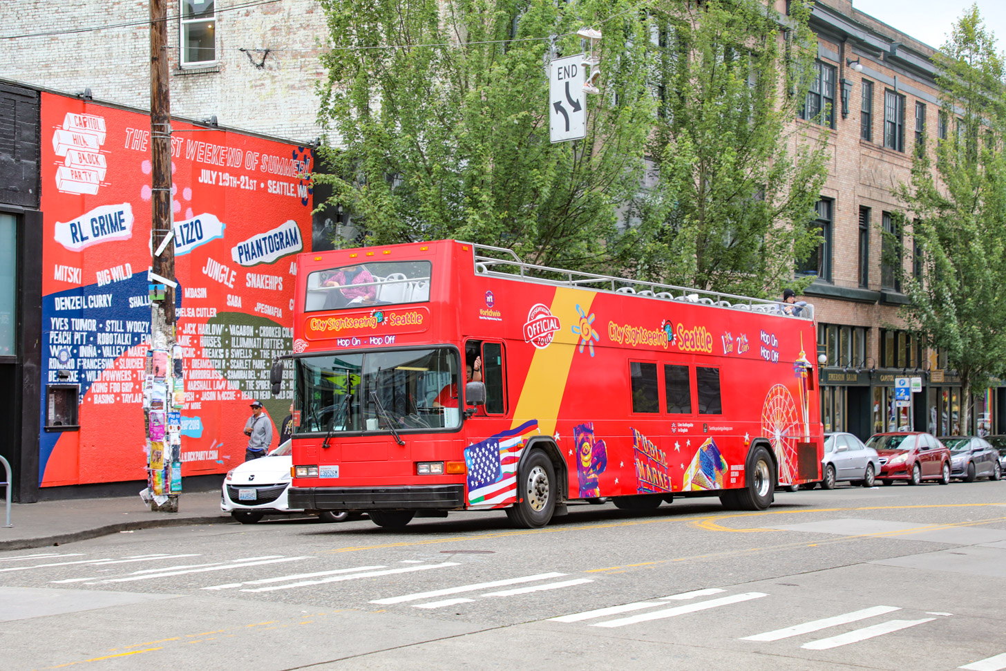 hop-on-hop-off bus in Seattle
